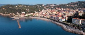 Fotografia aerea del borgo di San Terenzo nel Comune di Lerici (SP)