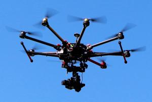 immagine di drone in volo
