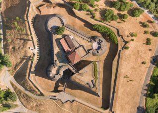 Porzionei di ortofoto di forte medievale