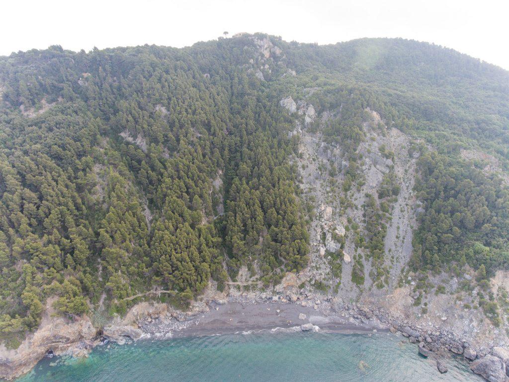 Fotografia aerea della spiaggia di Punta Corvo