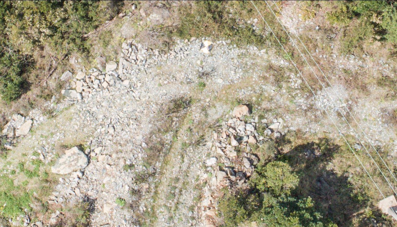 immagine aerea di zona rurale scattata da drone in rilievo aerofotogrammetrico prima della regolazione del dettaglio