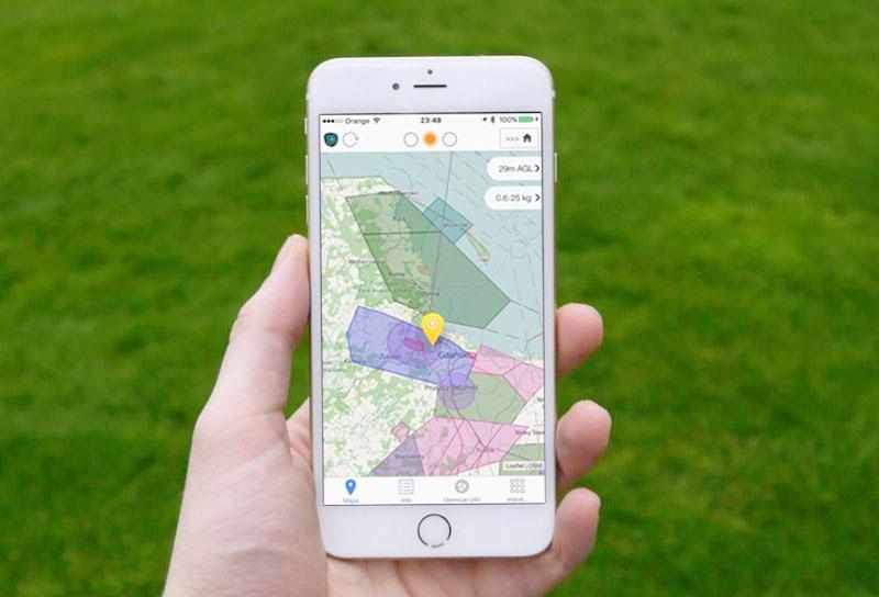 Immagine che mostra uno smartphone in cui è installata l'app DroneRadar