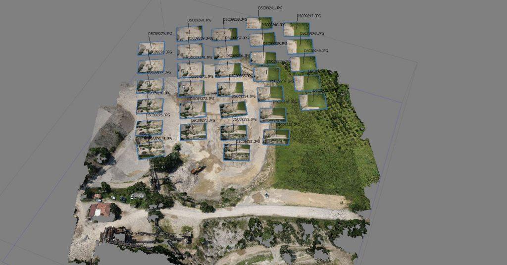Immagine che rappresenta i punti di ripresa fotografica durante una missione di volo automatica del Venture Mapper in un rilievo aerofotogrammetrico
