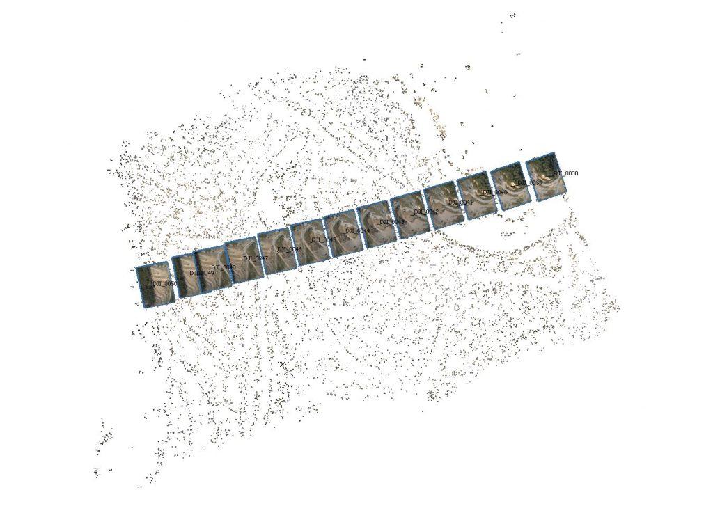 Posizione delle prese fotogrammetriche nadirali in relazione alla nuvola di punti sparsa