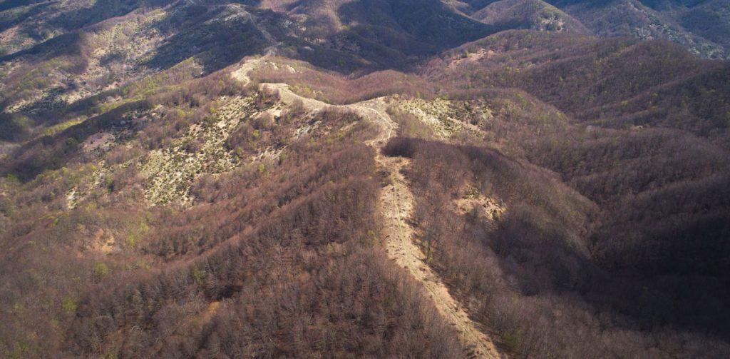 crinale montuoso rilevato con aerofotogrammetria da drone