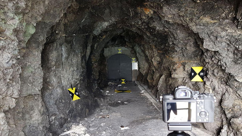 fotocamera per rilievo fotogrammetrico in galleria