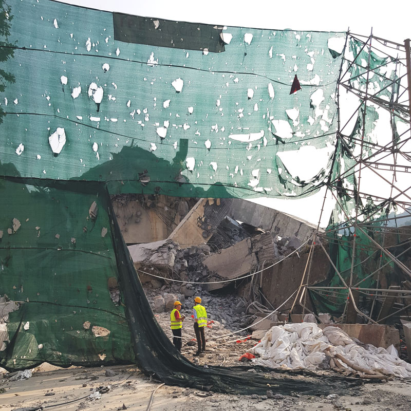 Macerie dopo la demolizione del Ponte Morandi