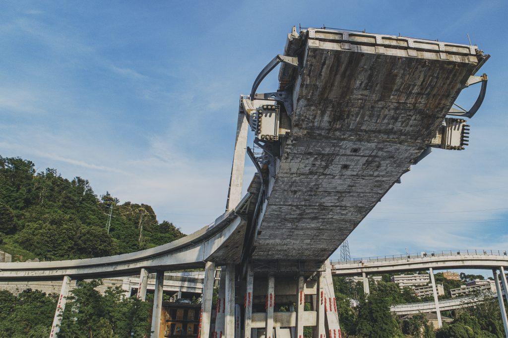 Ponte Morandi - fotografia dell'impalcato dal piano del Campasso verso levante