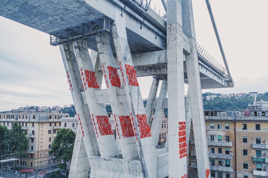 Ponte Morandi - foto aerea da drone dell'ex Pila 10 prima della demolizione